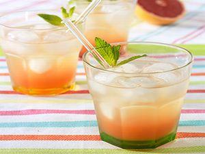 グレープフルーツジュースのスプリッツァ